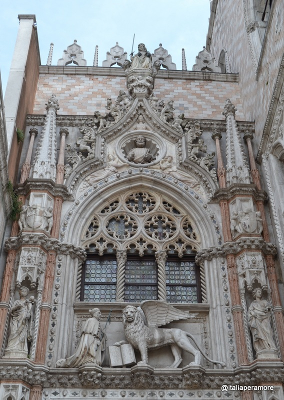 Detalhes do Palazzo Ducale